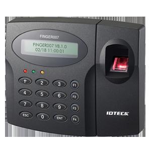 Thiết bị chấm công và kiểm soát cửa bằng vân tay thẻ từ IDTeck IP FINGER007