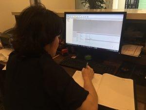 Nhân viên kĩ thuật Digiplus hướng dẫn phần mềm chấm công