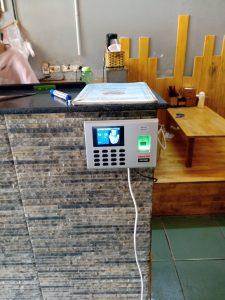 Digiplus thi lắp đặt máy chấm công tại hệ thống ăn vặt BIGBANG HOTFOOD TEA 1