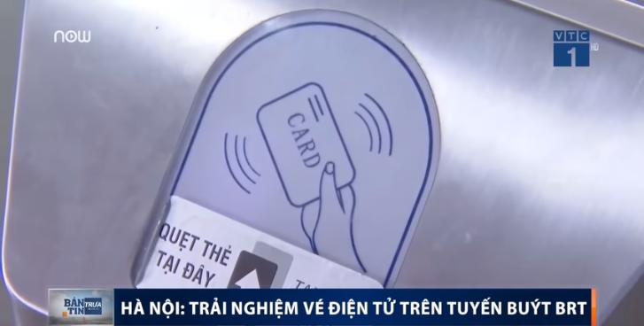 Vị trí quẹt thẻ từ với xe bus BRT